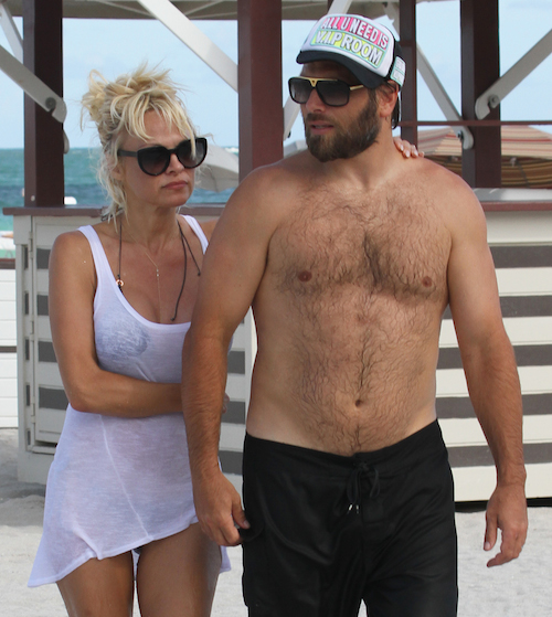 Dlisted Pamela Anderson And Rick Salomon Are Officially