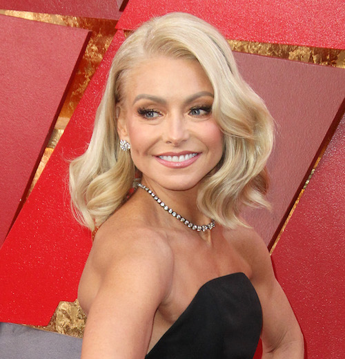 Do Not Accuse Kelly Ripa Of Having A New Nose Or Teeth