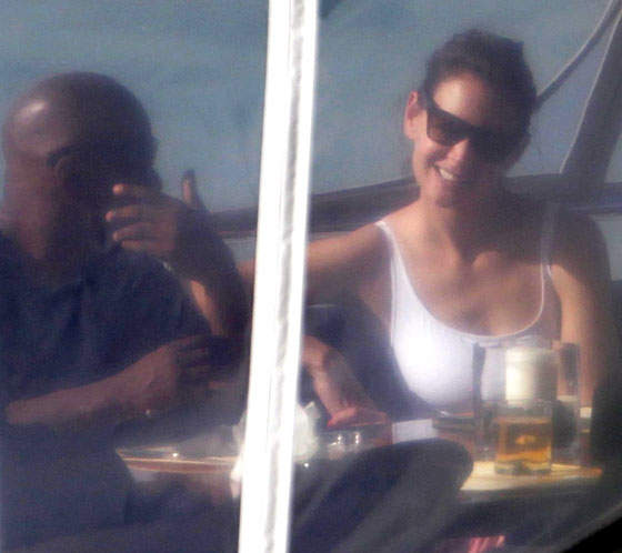 Katie Holmes Is Apparently A-OK Sharing Jamie Foxx
