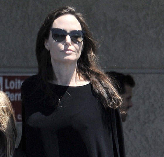 So I Guess Angelina Jolie Really Is Broke!!!