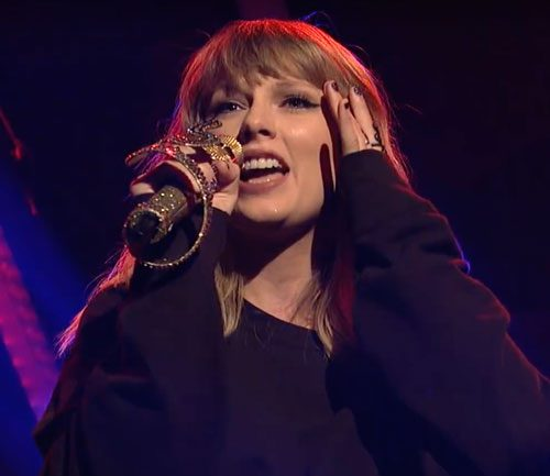 "Dlisted | Did Taylor Swift Lip Synch On ""Saturday Night Live"