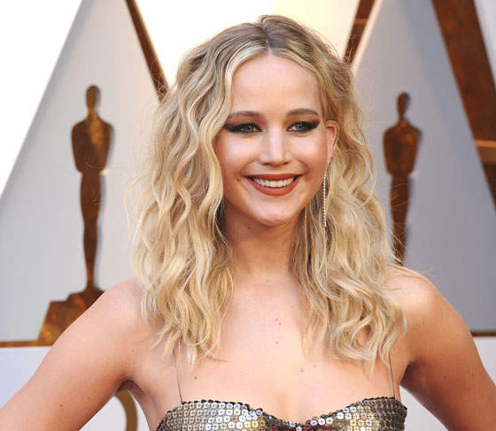 In Case You Care, This Is What Jennifer Lawrence's Engagement Ring Looks Like